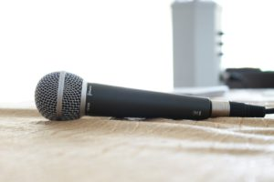 microphone-380310_1280