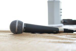 microphone-380310_1280